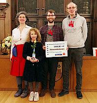 v.l.n.r.: Evelina Dineva mit Tochter, Florian Lehmkuhl, Benjamin Sandvoß (Gisela Baudy)