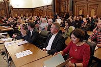 Gäste im Harburger Rathaus (Foto Gisela Baudy)